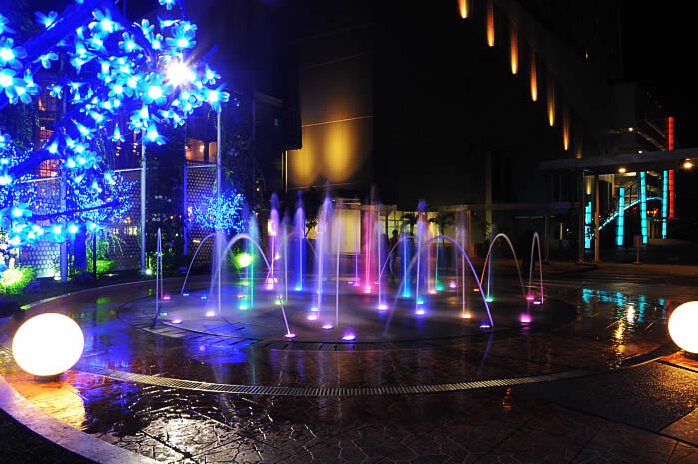 2020 garden decorative musical dancing color changing water fountain